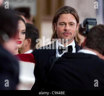 Angelina Jolie e Brad Pitt arrivano alla sessantanovesima Annuale di Golden Globe Awards presso il Beverly Hilton Foto Stock