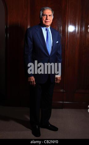 Può16,2012 - Mumbai, India : Ritratto di Indian industriale Rata Tata, Presidente di Tata impero alla casa di Bombay, Foto Stock