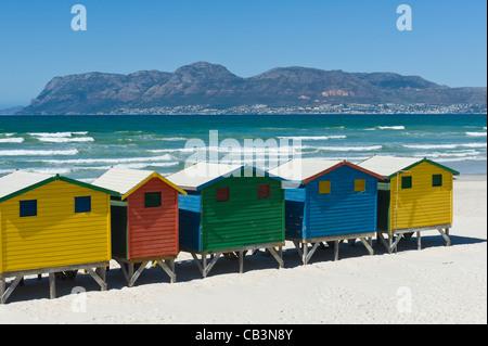 Pittoresca spiaggia di capanne Muizenberg Western Cape Sud Africa Foto Stock