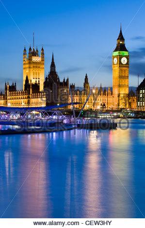 Il big ben e il parlamento di notte londra inghilterra for Camere parlamento