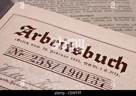 Arbeitsbuch des Deutschen Reiches aus dem Jahre 1935/1936   Esercizio libro del Reich tedesco dal 1935/1936 Foto Stock