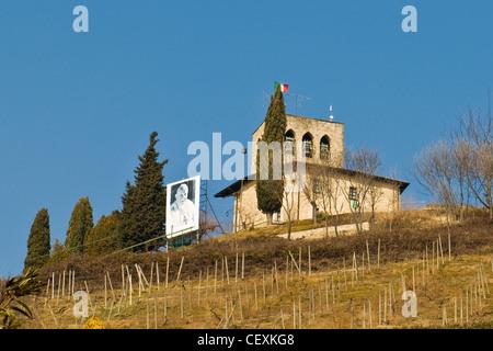 Antica Pieve di San Giovanni Battista, sotto il Monte, Lombardia, Italia Foto Stock