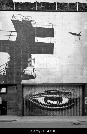 Wall Art su strada a tendina a Hackney. Foto Stock