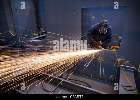 Fresa in acciaio durante il lavoro in cantiere Foto Stock