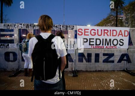 Sett. 13, 2012 - Buenos Aires, Buenos Aires, Argentina - circa 50000 persone hanno partecipato a un ''cacerolazo'', Foto Stock