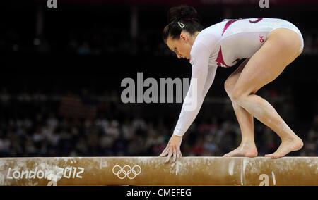 Ginnasta ceca Kristyna Palesova durante la ginnastica artistica femminile a qualifiche le 2012 Olimpiadi di estate, Foto Stock
