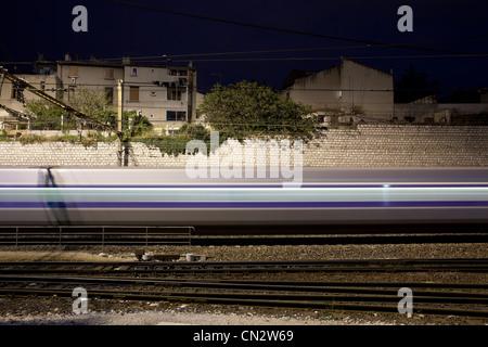 Treno offuscata Foto Stock