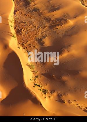 La bassa altitudine foto aerea di dune di sabbia rossa, outback NSW, Australia Foto Stock