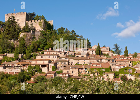 Francia, Pirenei orientali, Castelnou etichettati Les Plus Beaux Villages de France (i più bei villaggi di Francia), il