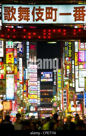 Insegne al neon, Kabukicho, Shinjuku, Tokyo, Giappone, Asia Foto Stock