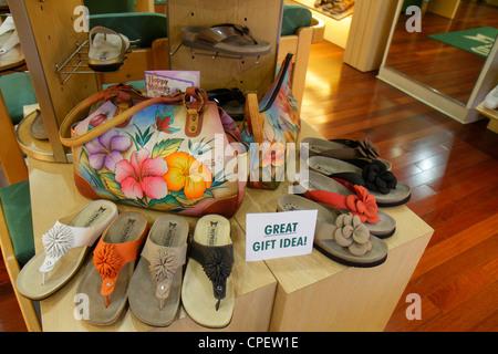 Boca Raton Florida Mizner Park Plaza shopping reale Mephisto Uomo Scarpe  Donna borse moda arte sandali 8f2cb18098a