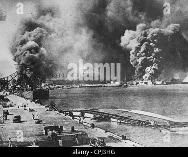Attacco a Pearl Harbor, 1941 (foto b/n) Foto Stock