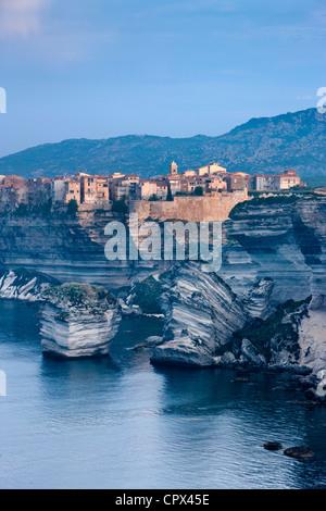 Bonifacio all'alba, Corsica, Francia