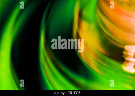 Primo piano di vetro colorato. Immagine astratta prese con elevato ingrandimento Lenti macro. Foto Stock