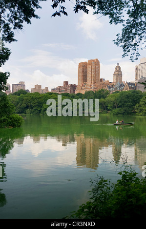 Il lago di Central Park, Upper West Side di Manhattan, New York, USA, America Foto Stock