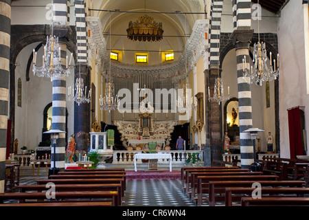 Interno, chiesa di San Giovanni Battista , Cinque Terre, provincia della Spezia, Parco Nazionale delle Cinque Terre parco nazionale Foto Stock