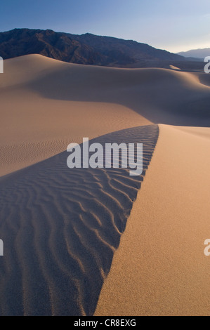 Le dune di sabbia nel Parco Nazionale della Valle della Morte, CALIFORNIA, STATI UNITI D'AMERICA Foto Stock