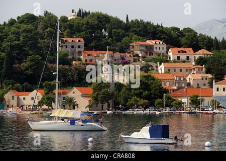 Barche off Cavtat, Dubrovnik-Neretva County, Croazia, Europa Foto Stock