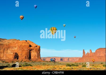 I palloni ad aria calda, Balloon Festival, Monument Valley, Arizona, Stati Uniti d'America
