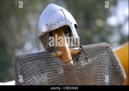 Cavaliere del casco e mail a catena, Spectaculum, Maxlrain, Baviera, Germania, Europa