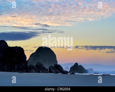 Sunrise a Harris Beach State Park, Oregon Foto Stock