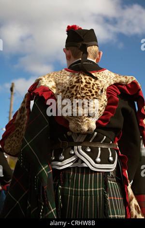 Batterista scozzese a pelle di leopardo melrose Foto Stock