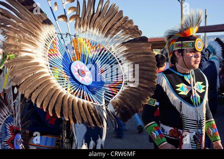 Fort Washakie, Wyoming - ballerini in full regalia a giorni indiano, un evento annuale tenuto sul Wind River Prenotazione. Foto Stock