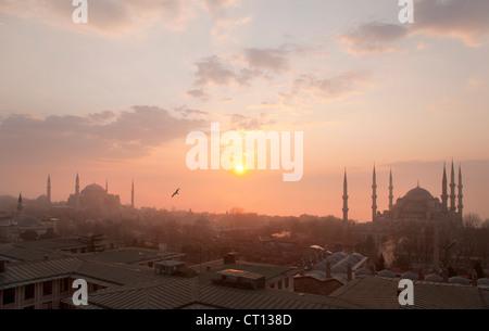 Vista aerea di Istanbul all'alba Foto Stock