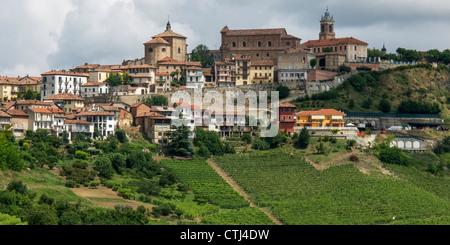 Monteforte d Alba , vigneti, Panorama, Provincia del Piemonte, Italia Foto Stock