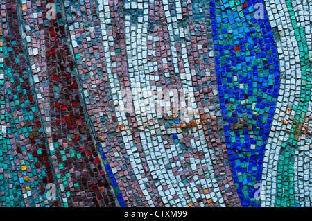 Vecchio colorato mosaico texture a parete Foto Stock