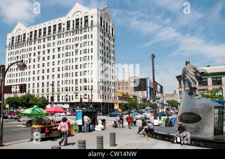 Adam Clayton Powell Monument - Dr Martin Luther King Jr Boulevard Harlem New York Manhattan Stati Uniti d'America American