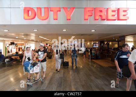 Duty free shop dell'aeroporto di Istanbul in Turchia Foto Stock