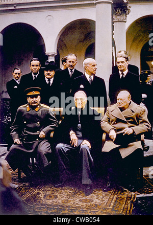 La Conferenza di Yalta, (seduto) Joseph Stalin, Franklin D. Roosevelt, Winston Churchill, Febbraio 1945 Foto Stock