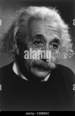Albert Einstein (1879-1955), tedesco-americana fisico teorico. Ca. 1940. Foto Stock