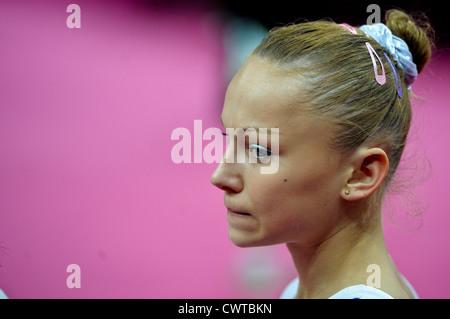 Le Olimpiadi di Londra 2012. Ginnastica Womens qualifiche 29.7.12. Arena di Greenwich. Maria Paseka della Russia Foto Stock