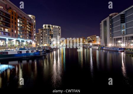 Clarence Dock in Leeds di notte Foto Stock