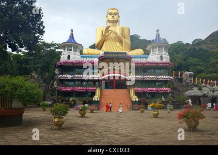 Tempio d'oro di Dambulla, UNESCO World Heritage Site, Sri Lanka, Asia Foto Stock