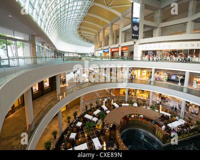 Il Marina Bay Sands Shopping Mall, Singapore, Asia Foto Stock