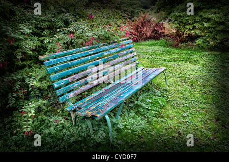 Panchine Da Giardino In Metallo.Metallo E Legno Panchina Da Giardino Situato In Woodland Garden Foto