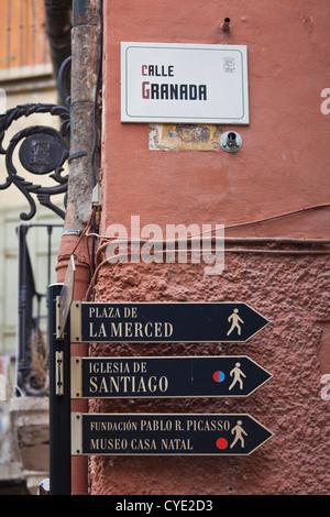 Spagna, Andalusia Regione, Provincia di Malaga, Malaga, strada segno Foto Stock