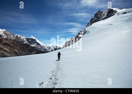 Scalatore in montagna himalayana Foto Stock