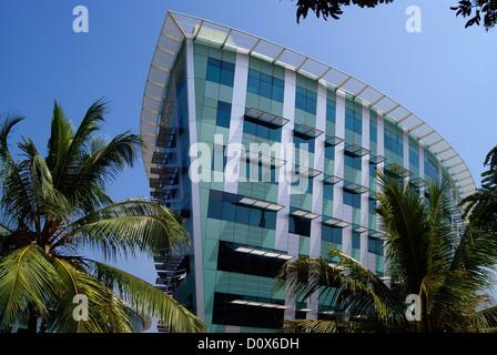 Infosys esso edificio del campus in Trivandrum a Kerala India sulla nave a forma di struttura di costruzione Foto Stock