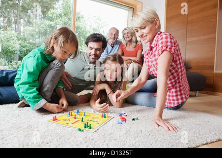 In Germania, in Baviera, Norimberga, Famiglia gioco gioco insieme