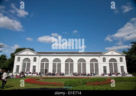 Aranciera, con a tema olimpico giardino, Royal Botanic Gardens, Kew, vicino a Richmond, Surrey, England, Regno Unito, Europa