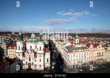 La Chiesa di San Nicola da Town Hall Tower, Praga, Repubblica Ceca, Europa