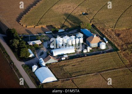 Fotografia aerea grano deposito bidoni silos Iowa Foto Stock
