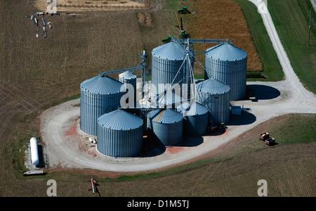 Fotografia aerea silos per il grano Iowa Foto Stock