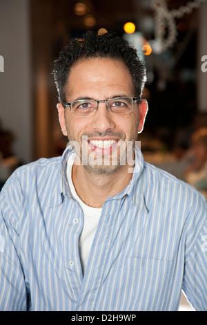 Ottolenghi NOPI e proprietario del ristorante Yotam Ottolenghi, originariamente da Gerusalemme, al Upper Street Foto Stock