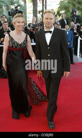 (Dpa) - Popstar Sting e sua moglie Trudie Styler arriva per una premiere al 56th International Filmfestival in Cannes, Francia, 23 maggio 2003.