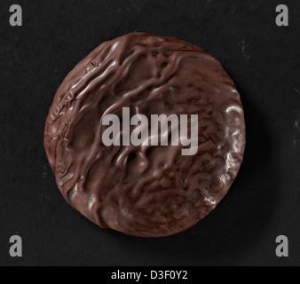 Ricoperta di cioccolato biscotto cookie close up Foto Stock
